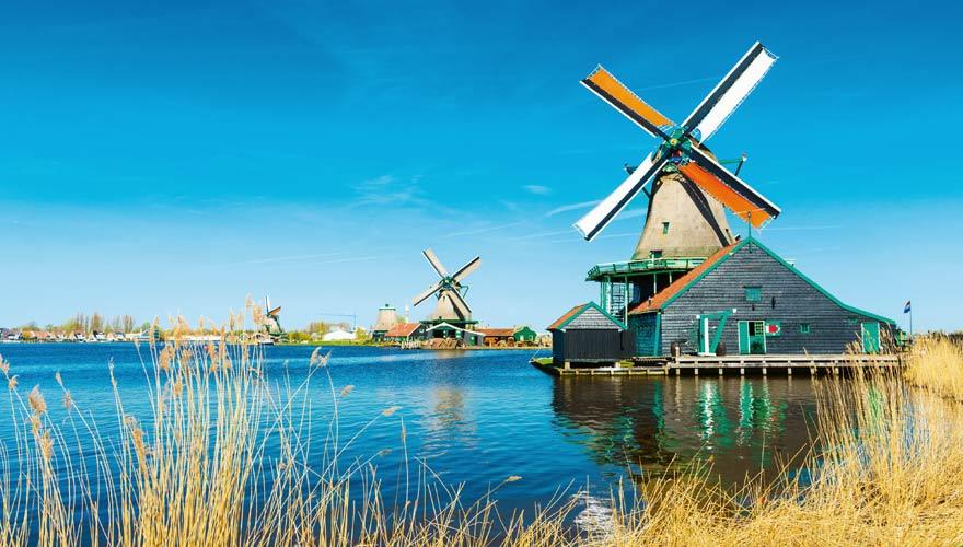 Windmühlen von Zaanse Schans in Nordholland