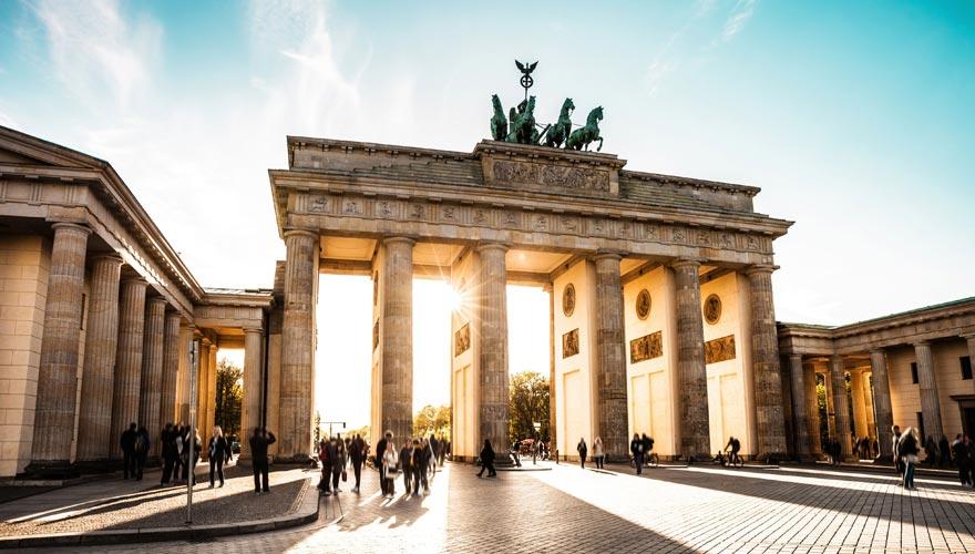 Eine der Top-Sehenswürdigkeiten in Berlin ist das Brandenburger Tor