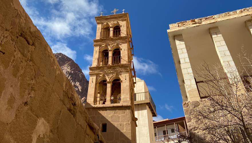 Glockenturm und Minarett im Katharinenkloster