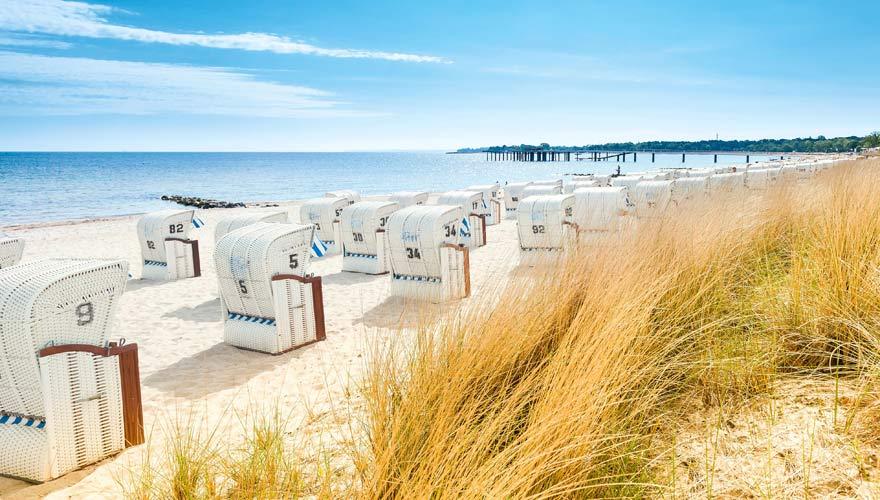 Timmendorfer Strand an der Ostsee mit Strandkörben