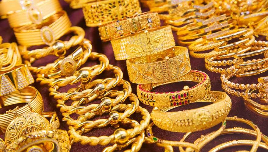 Goldschmuck auf dem Gold-Souk in Abu Dhabi
