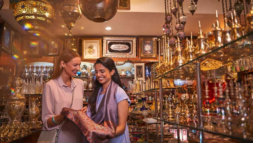 Shopping auf dem Souk in Abu Dhabi