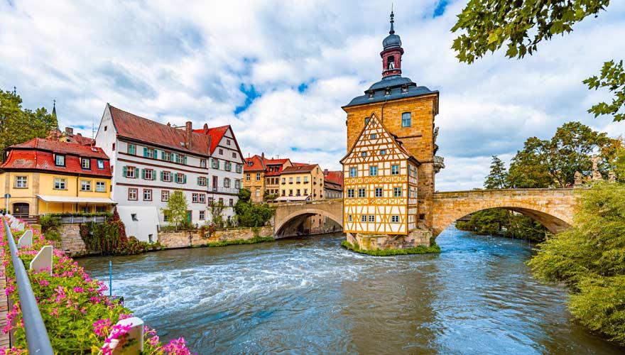 Altes Rathaus von der Oberen Brücke in Bamberg fotografiert