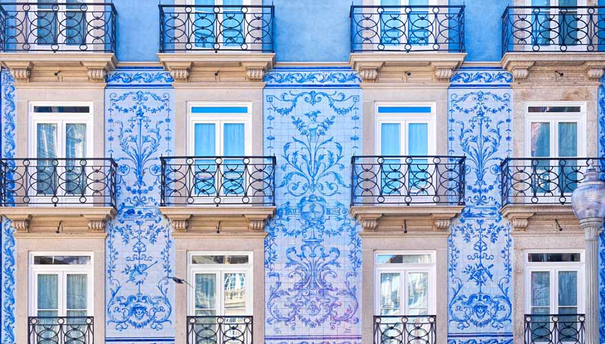Fassade mit Kacheln in Porto