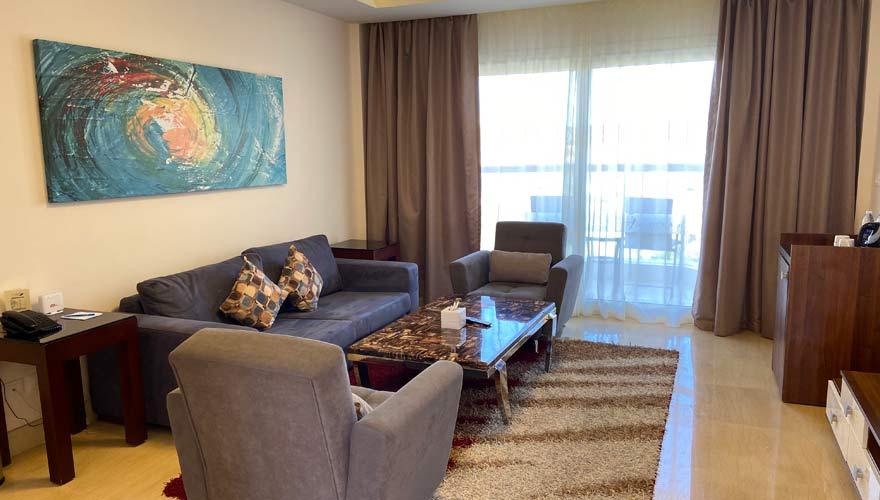 Wohnzimmer in einer Royal Suite im Royal Albatros Moderna Sharm el Sheikh
