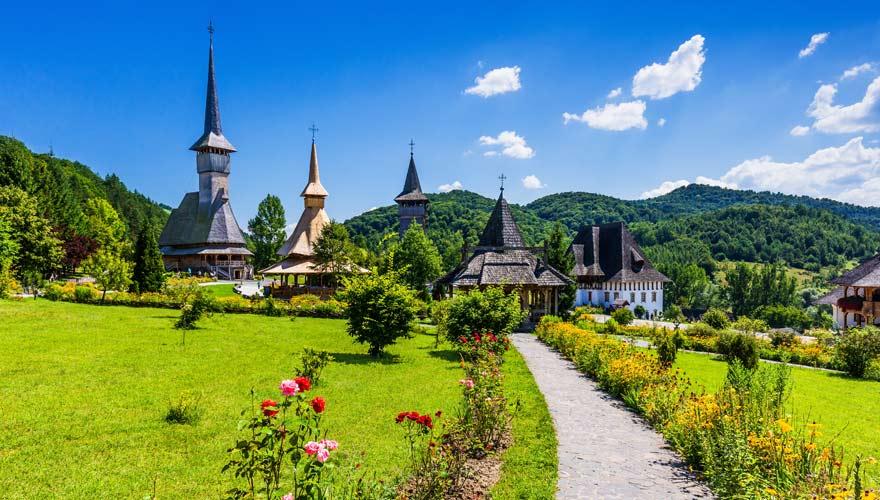 Die rumänische Region Maramuresch prägen vor allem die vielen Holzkirchen