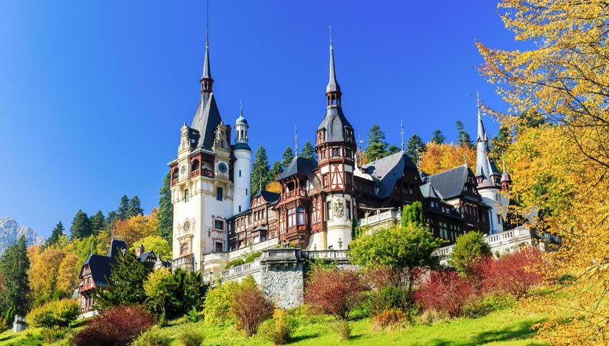 Der Peles Palast - eine der Top-Sehenswürdigkeiten in Rumänien