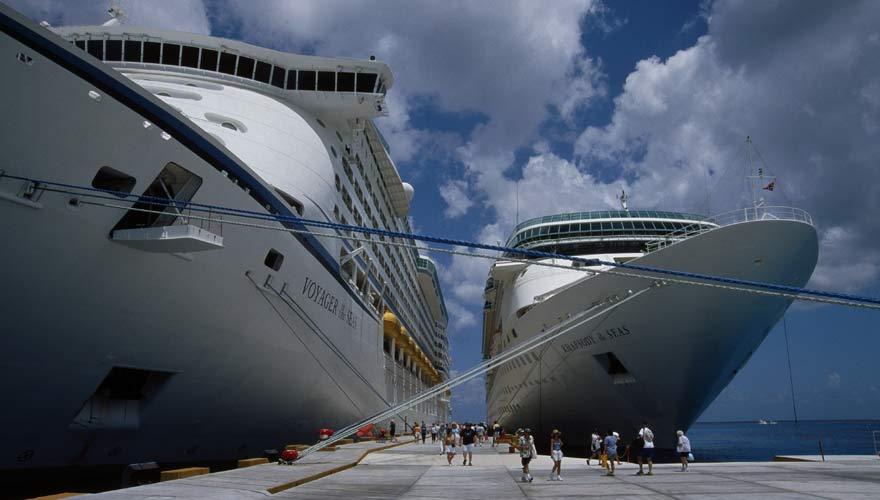Ausflüger von einem Kreuzfahrtschiff
