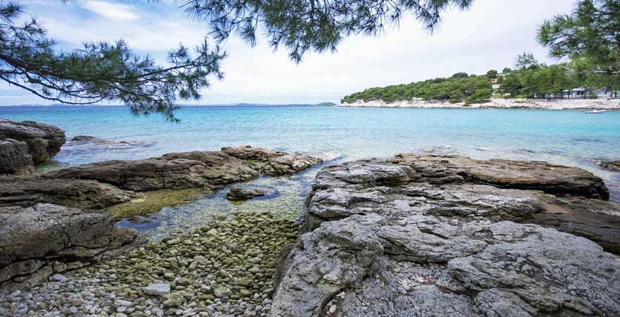 Strand auf Murter in Kroatien