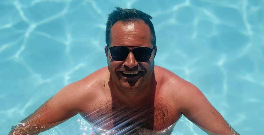 Jan im Pool