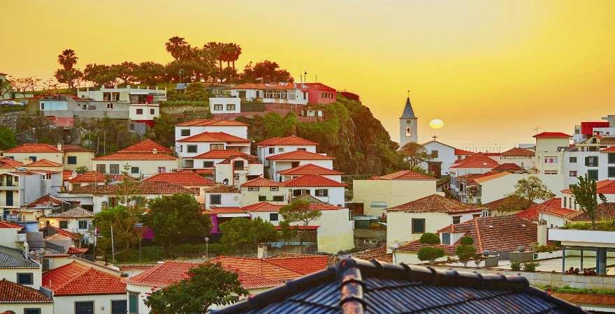 Sonnenuntergang über Camara de Lobos auf Madeira