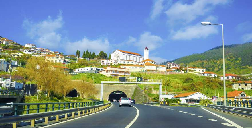 Straßentunnel auf Madeira