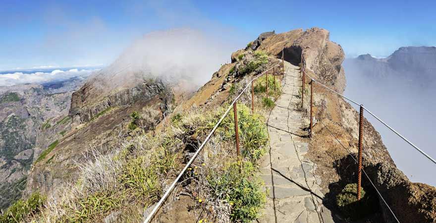 Wanderweg vom Pico do Arieiro zum Pico Ruivo