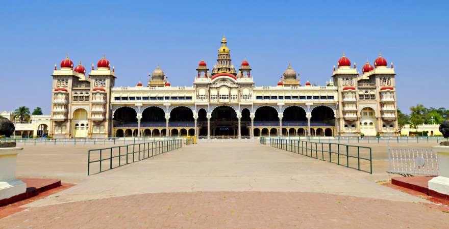 Der Palast in Mysore in der für Indien typischen Architektur