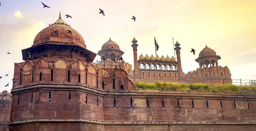 Die mittelalterliche Festungs des Roten Forts in Indiens Hauptstadt Dehli